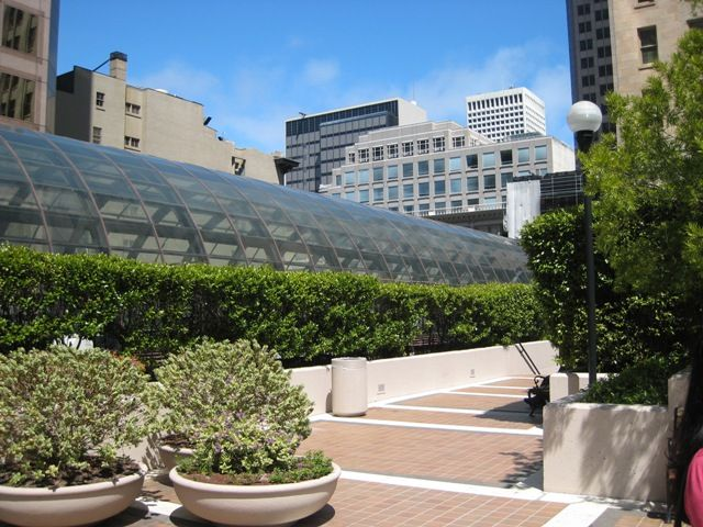 One of San Francisco's POPOS (privately-owned public open spaces) next to Crocker Galleria on rooftop of Wells Fargo Bank