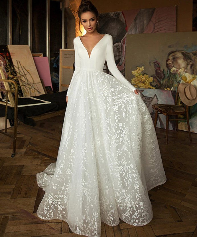 Penelope Backless Lace Wedding Dress   Backless lace