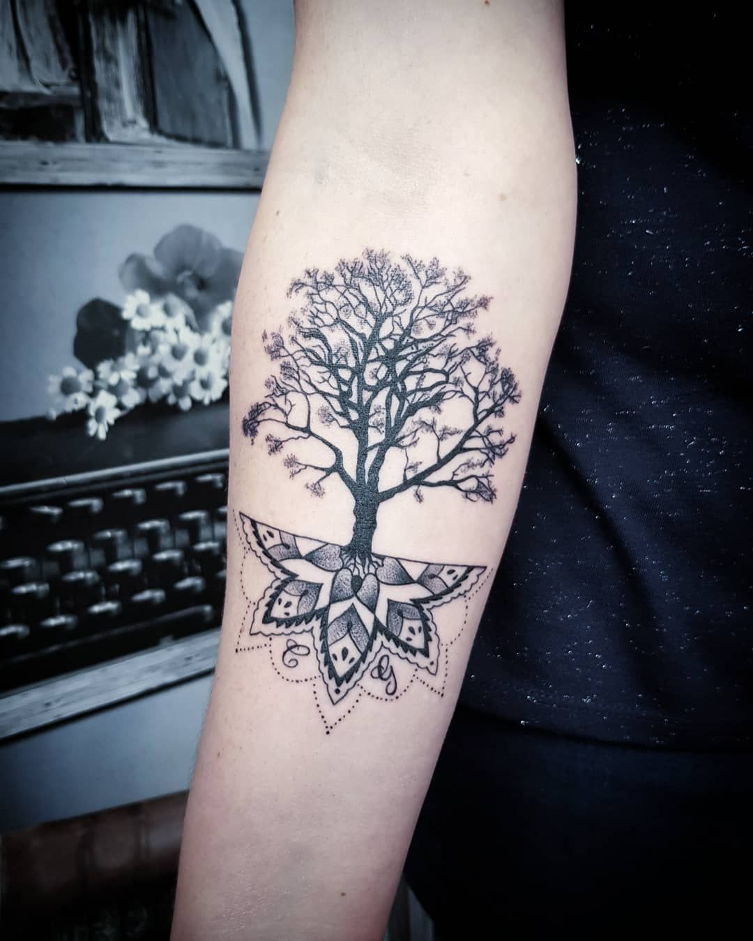 Leeloo Shelby Tattoo Artist On Instagram Thanks Pascaline For Your Trust Tree Of Life Mandala Ta In 2020 Tree Of Life Tattoo Tattoos Tattoo Artists