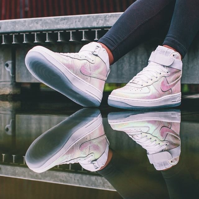Nike Air Force 1 High Iridescent Pearl