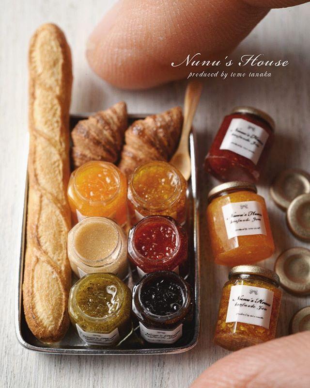 瓶にジャムを詰めました。 #miniature #ミニチュア  #パン#jam #クロワッサン  #雑貨#baguette#bread