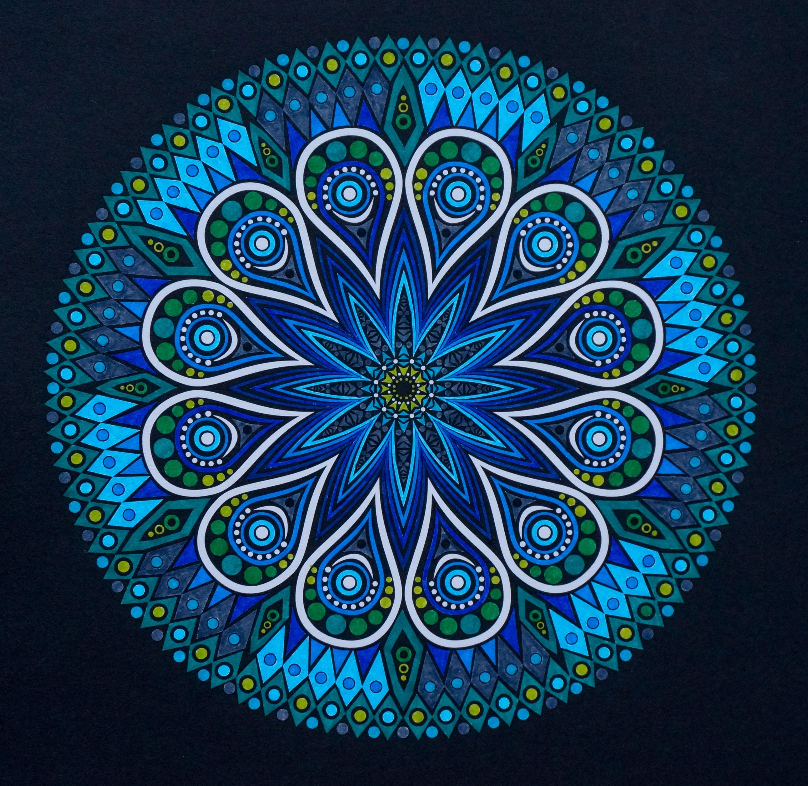 Ingekleurde Kleurplaat Uit Het Boek Kaleido Color Met Stabilo Point 68 Door A Typist Mandala Art Mandala Artist Inspiration
