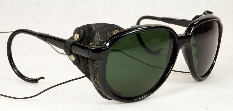 c5fedfbe29b Vintage 70s 80s Aviator Ski Motorcycle Sunglasses Black with Leather Side  Shield Nylon Frame