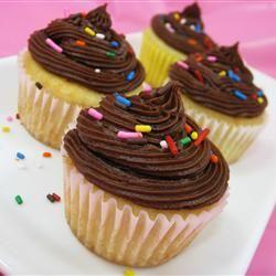 Cobertura de chocolate para cupcake e bolo @ allrecipes.com.br