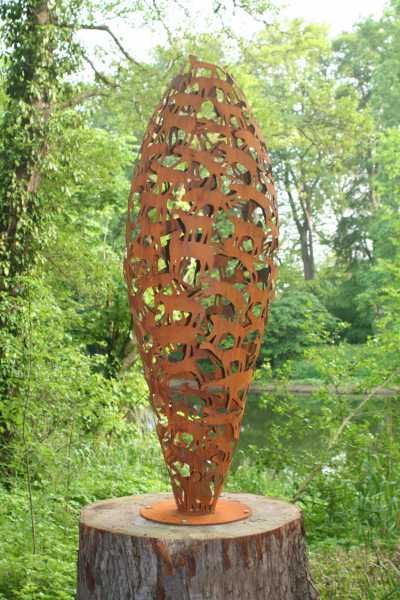 Steel abstract or modern garden yard sculpture by artist for Objet metal jardin