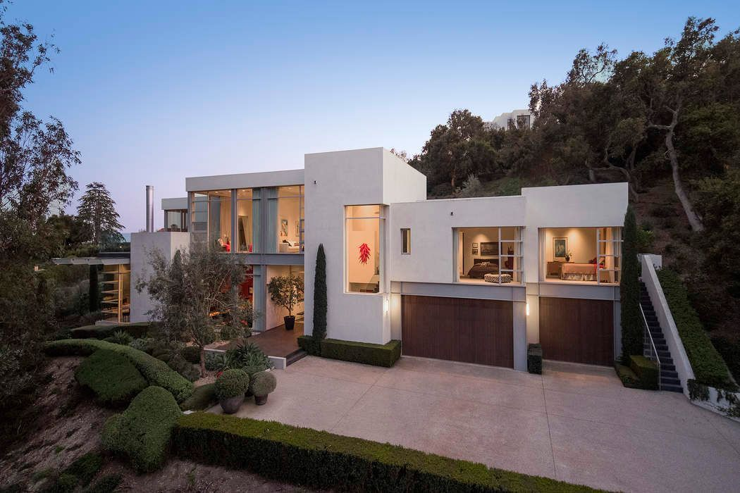 Video Of The Week Tour A Contemporary Architectural Masterpiece In Montecito Modern Homes For Sale Luxury Real Estate Estate Homes