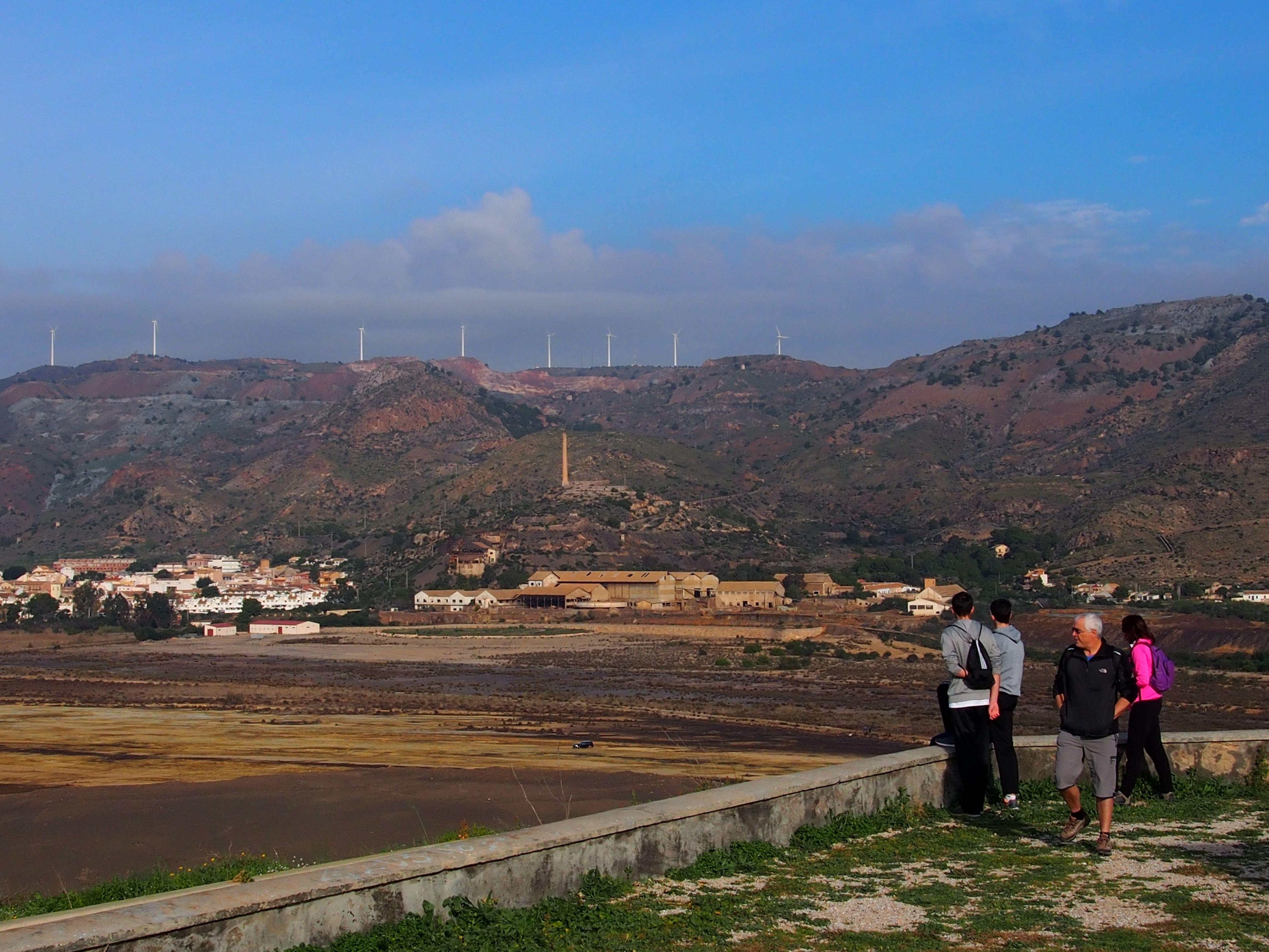 Portus Magnus Empresa francesa Peñarroya dejó 315 millones de toneladas de estériles  entre 1957 y 1987. Harían falta 80 mill. para arreglar el desastre. Portman (Murcia)
