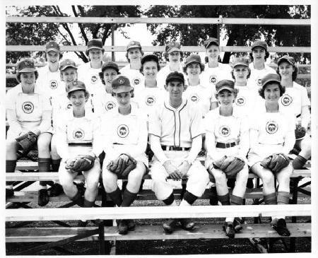 1950 Kenosha Comets Baseball League American Baseball League Baseball Girls