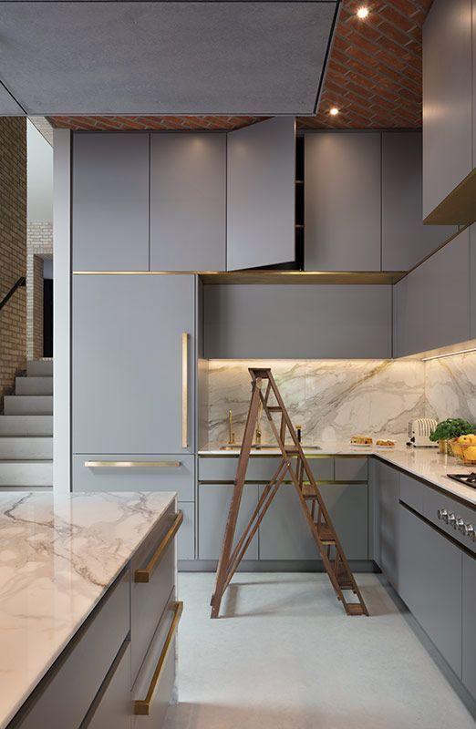 Vierzig Küchen, die Grau verwenden, um zeitgemäße und ewige Designs zu erzielen. Mischen ... #greykitchendesigns