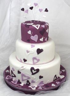 lila fliederfarbene tortenkunst herzileintorte in lila und flieder hochzeit torte. Black Bedroom Furniture Sets. Home Design Ideas