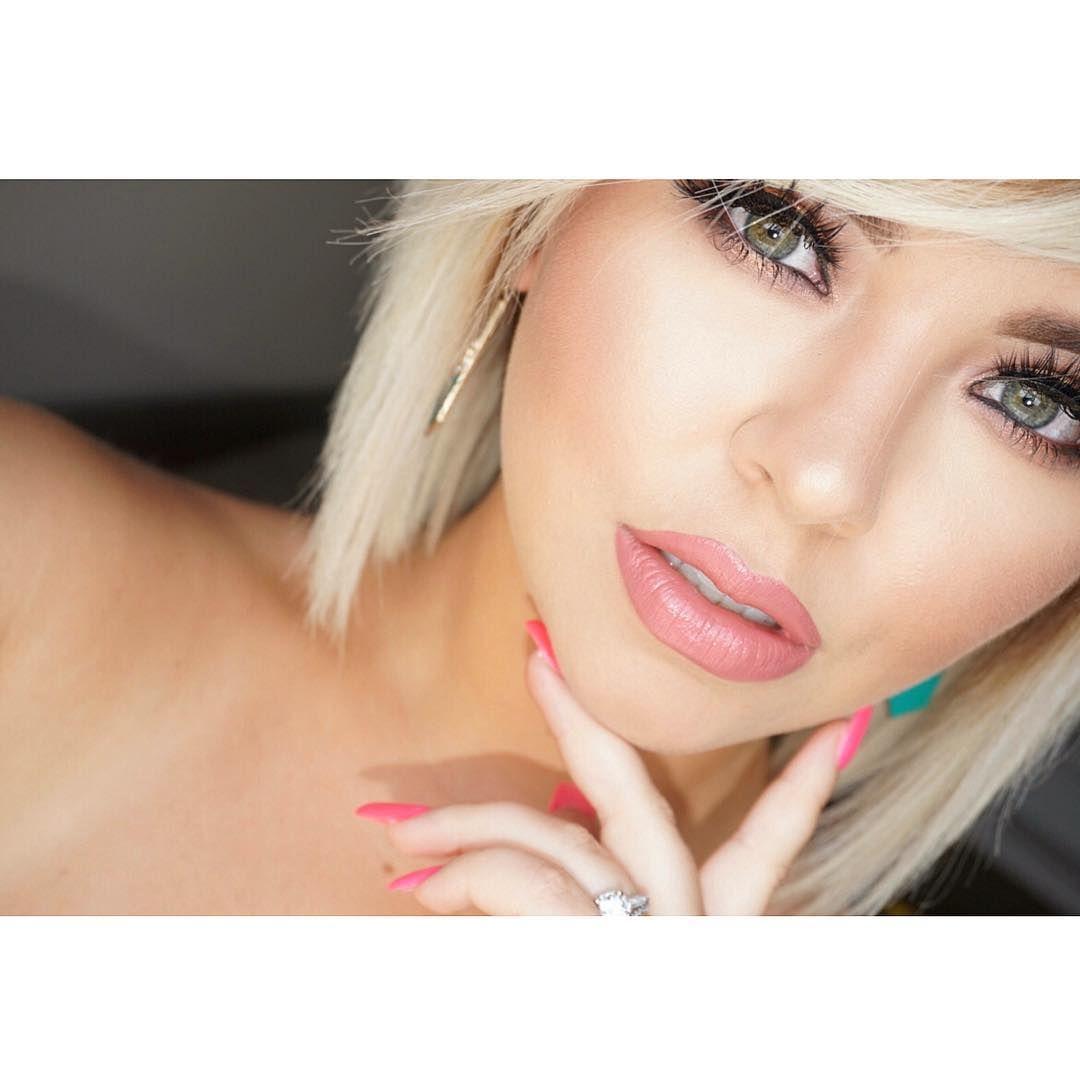 """#soft & #sexy today my loves   FACE: @makeupforeverofficial Yellow Primer  @tartecosmetics Amazonian Clay foundation  @tartecosmetics Creaseless…"""