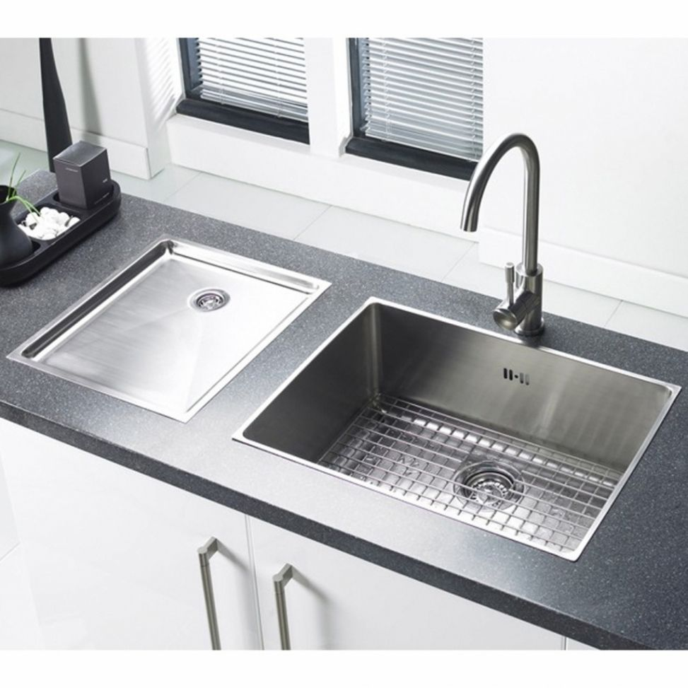 30 Awesome Adorable Kitchen Sinks Remodel Ideas Freshouz Com Large Kitchen Sinks Stainless Steel Kitchen Sink Undermount Kitchen Sink Remodel