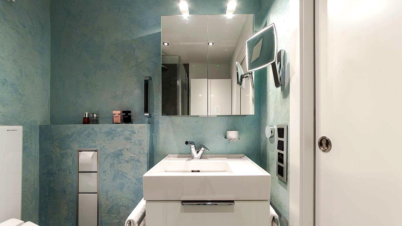 Fugenloses Bad In Frischem Design Jetzt Anschauen Fugenloses Bad Fugenlose Dusche Bad