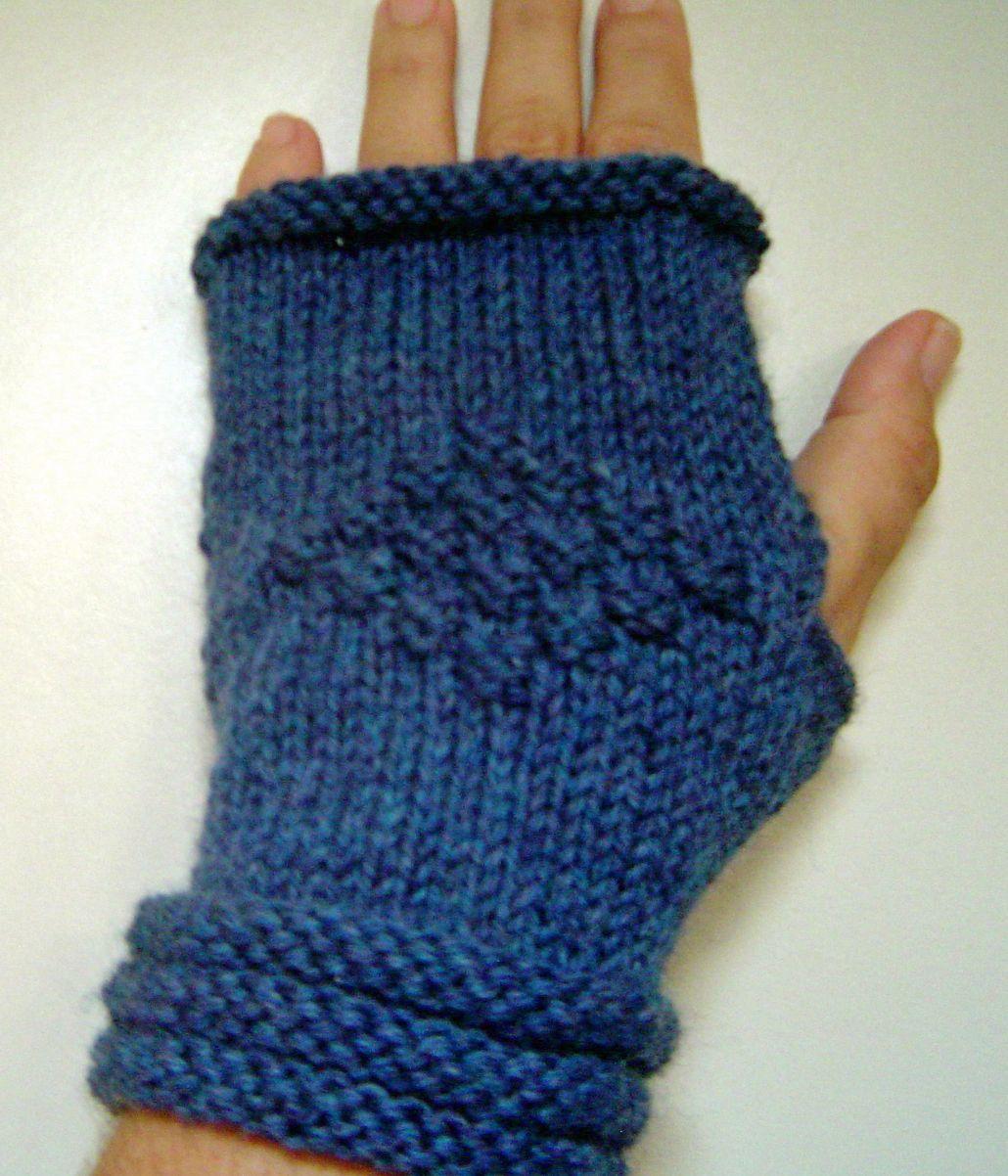 SUPER EASY WRIST WARMERS | Knitted wrist warmer, Wrist ...