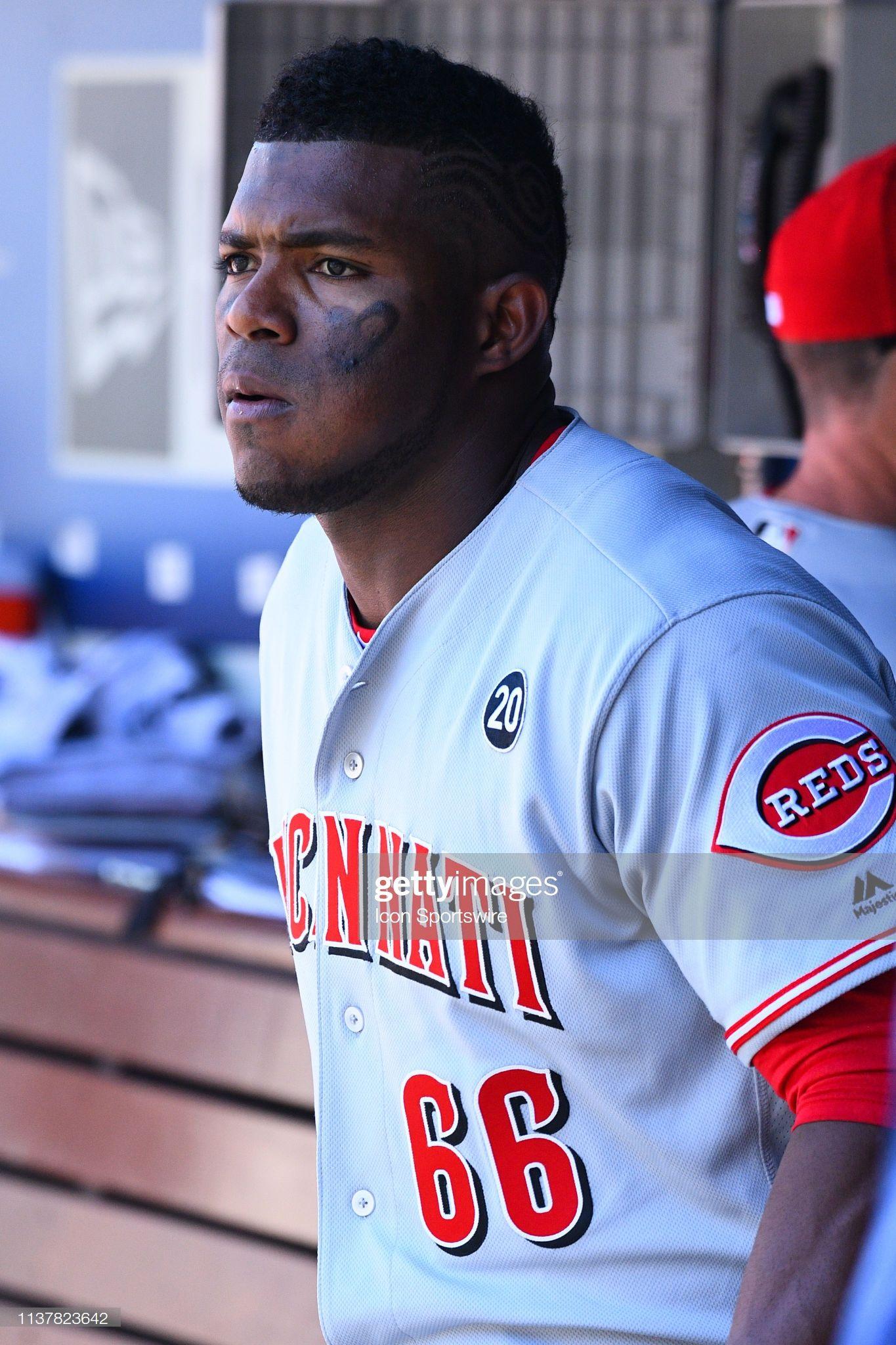 Cincinnati Reds Right Fielder Yasiel Puig Looks On During A Mlb Game Cincinnati Reds Mlb Games Puig Dodgers