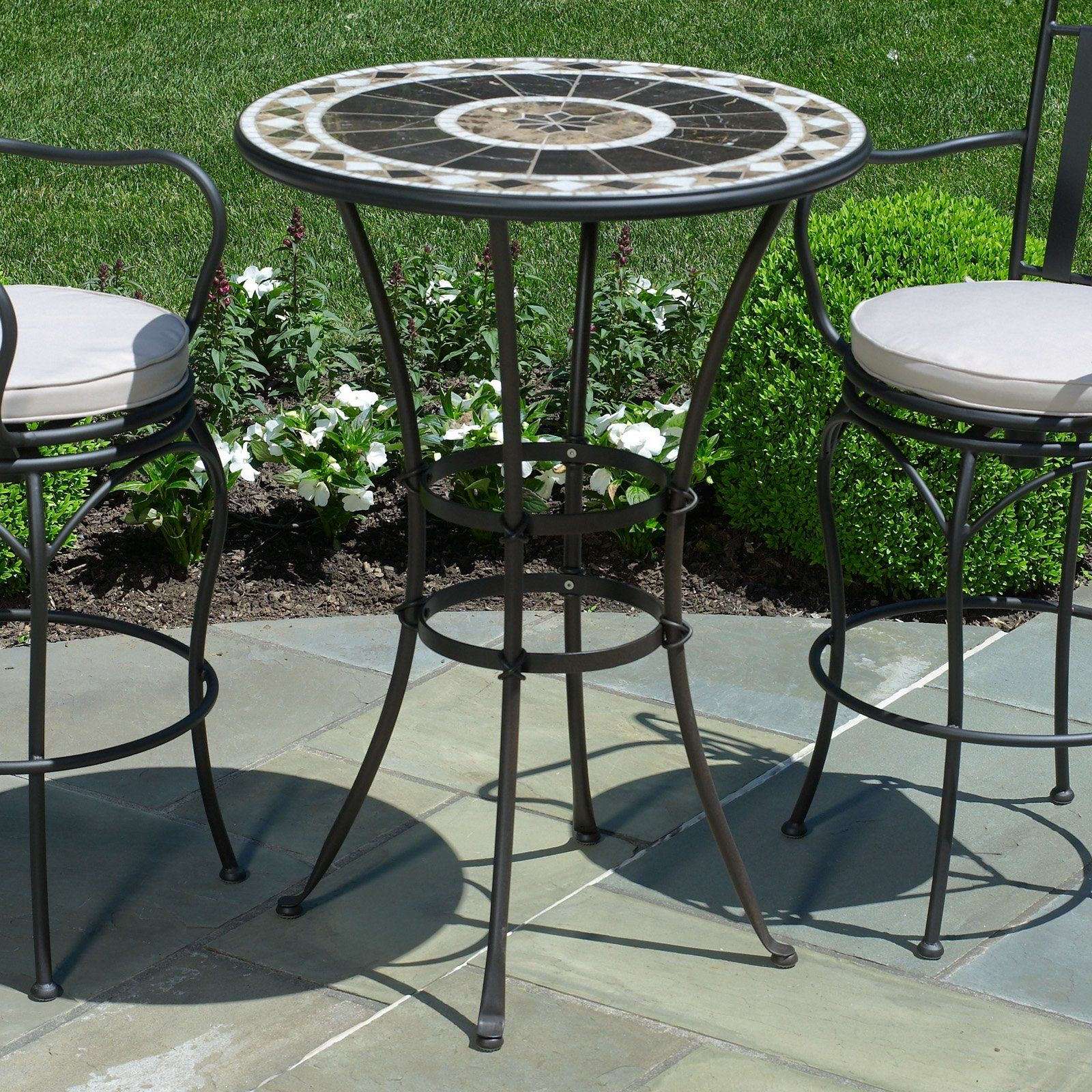 Small elegant peerless round table and stools bar height for Patio table set