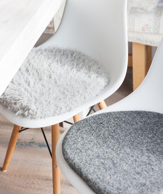 Cojines de silla en color gris adecuado para por pomponettiinterior comedores pinterest - Cojines sillas comedor ...