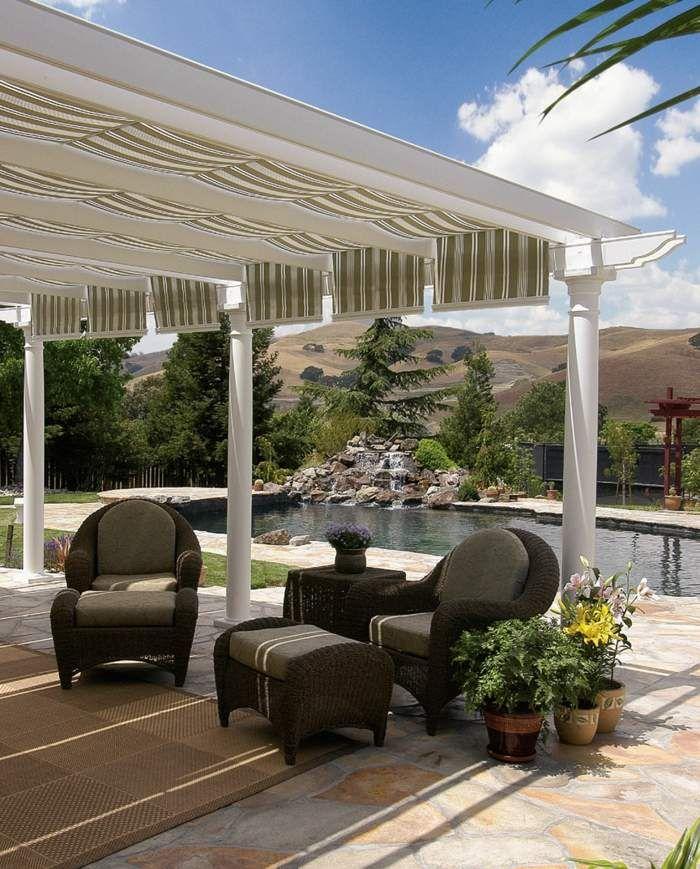garten und terrassengestaltung korbm bel und schattenspendende pergola gardenideas. Black Bedroom Furniture Sets. Home Design Ideas