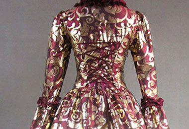 Espalda de vestidos de novia gótico