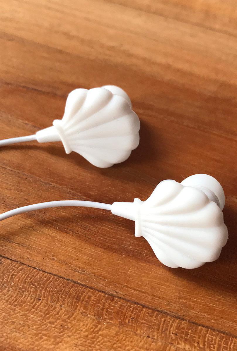 seashell earbud headphones
