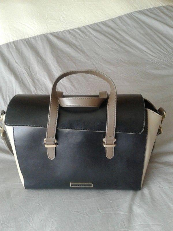 90537da3fe Sac Esprit façon cartable pour un look working girl   Vinted   Bags ...