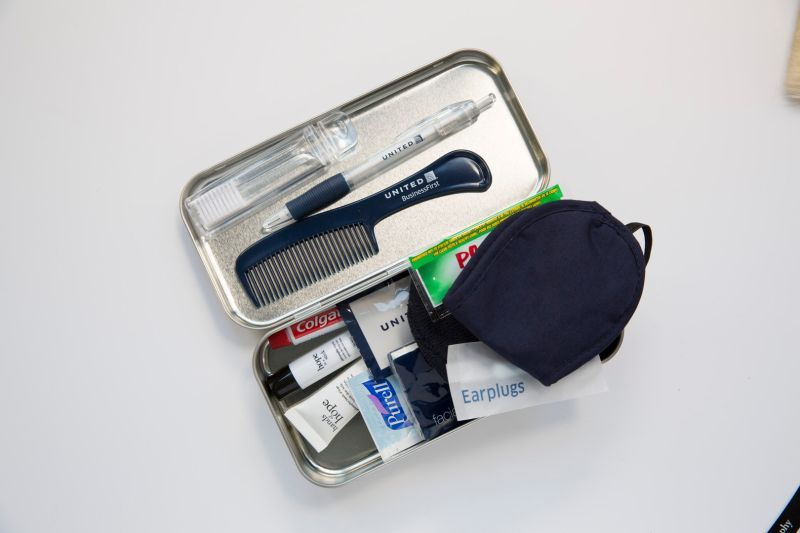 United Airlines amenity kit