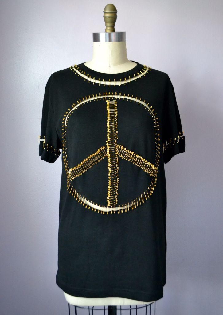 Safety pin tshirt design | Diy clothes, shoes, Diy clothes