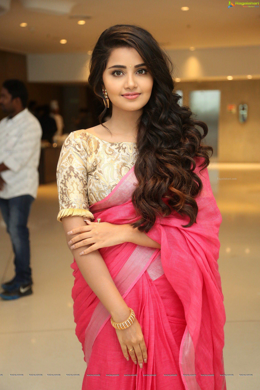 Pin By Vikas On Fashion Saree Red Saree Anupama Parameswaran