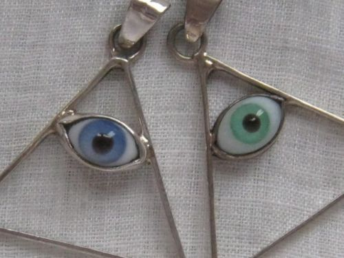 GOOD-LUCK-EVIL-EYE-FLOATING-EYE-PYRAMID-PENDENT-STERLING-SILVER-TAXCO-MEXICO