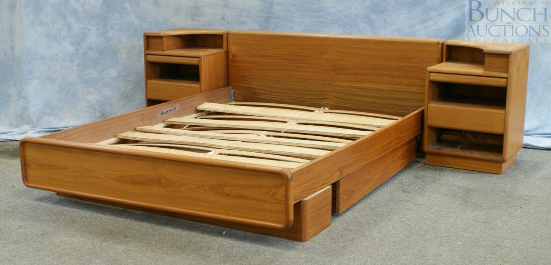 Best Brouer Danish Modern Mid Century Modern King Size Bed With 400 x 300