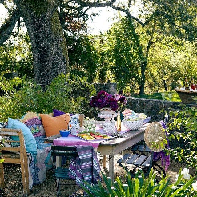 Y. Mimar Bahar Aykac (@3oda1salon)   Bohem bir bahce ❤️ #boho #outdoors #outdoor #garden #instalike #instamood #bahce   Intagme - The Best Instagram Widget