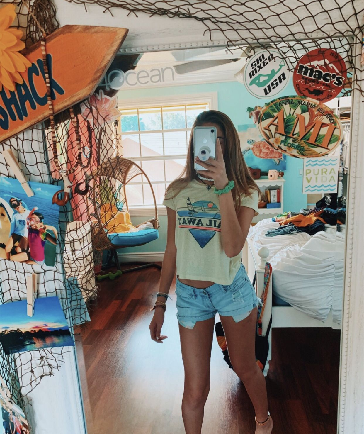 Pinterest Alyssaewood With Images Surf Room Beachy Room
