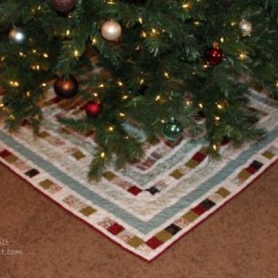 Patchwork Square Christmas Tree Skirt Diy Christmas Tree Skirt Christmas Sewing Projects Diy Christmas Tree