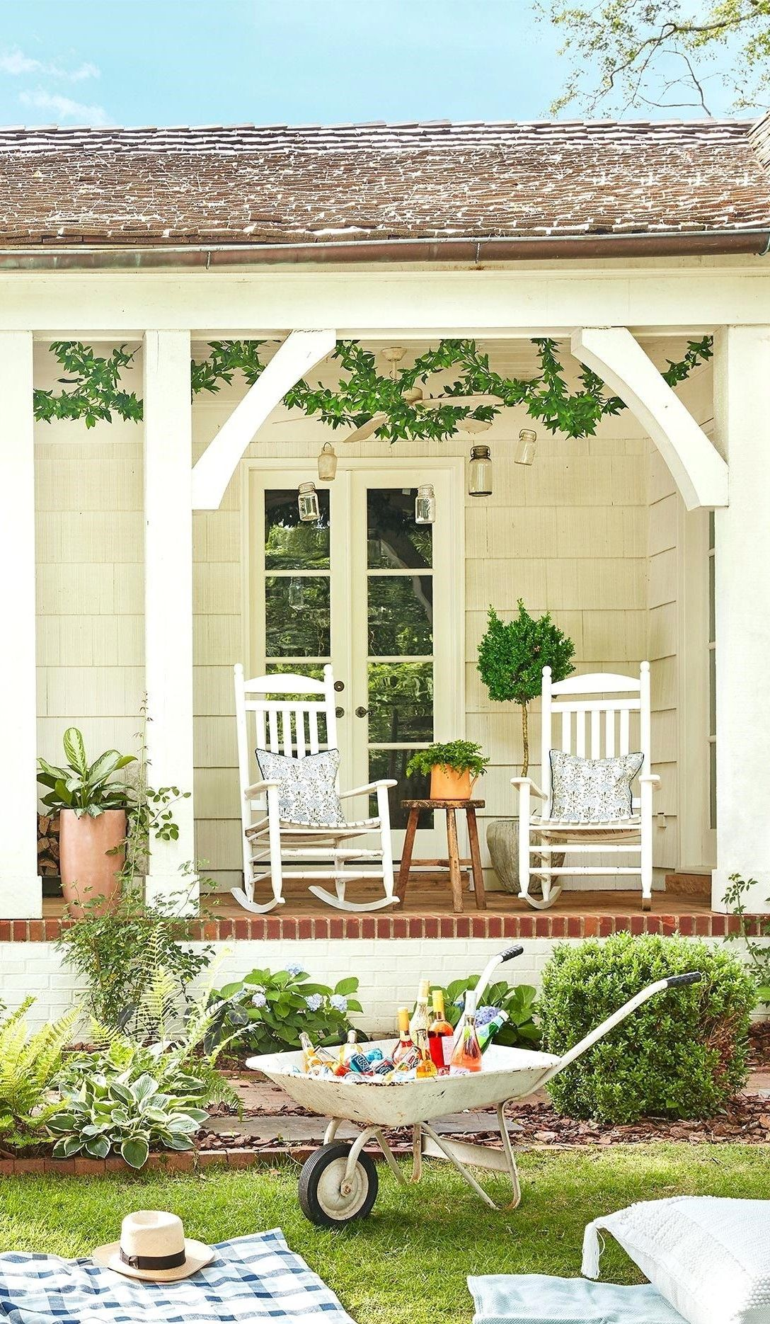 Simple Back Porch Ideas Too Beautiful To Be Real Porch Installation Back Porch Designs Porch Styles