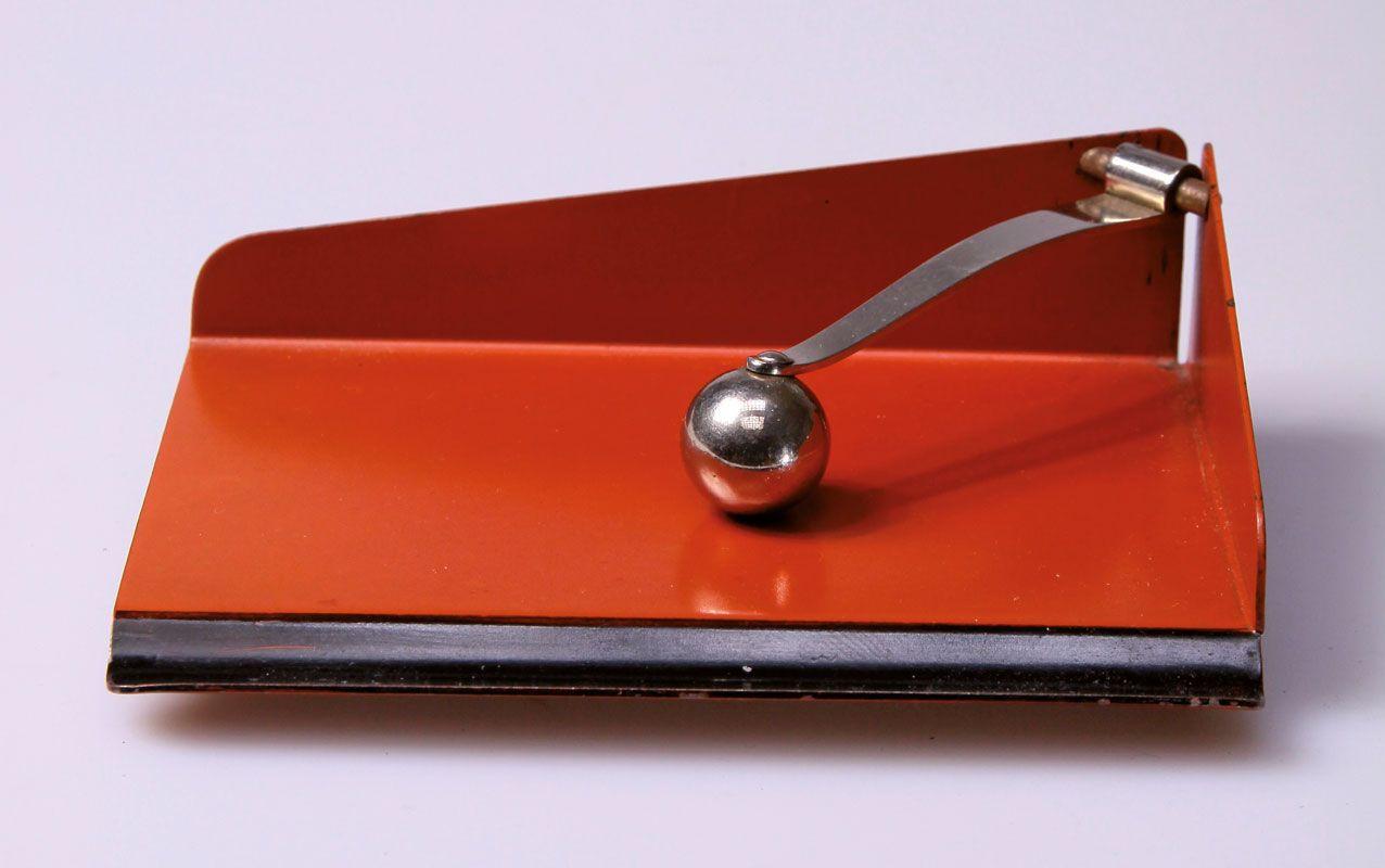 Marianne Brandt Paper Tray 1930 Bauhaus Design Art Deco Design Art Deco Desk