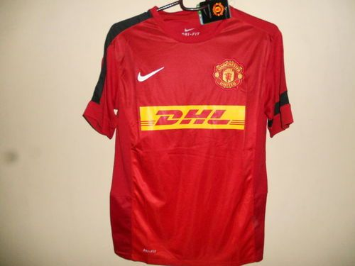 buy popular 399c5 8f855 Nike Manchester United-DHL Team Jersey   Stuff to Buy ...