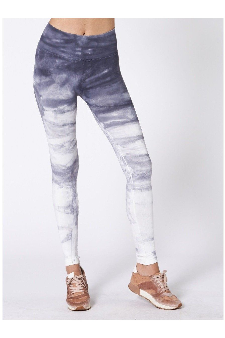 P759SHD Your favorite seamless legging gets some hand dyed love.