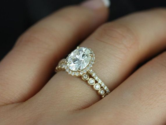 d9f2cc7a36b43 1.50cts Rebecca 8x6mm & Petite Bubbles 14kt Solid Gold Forever One ...