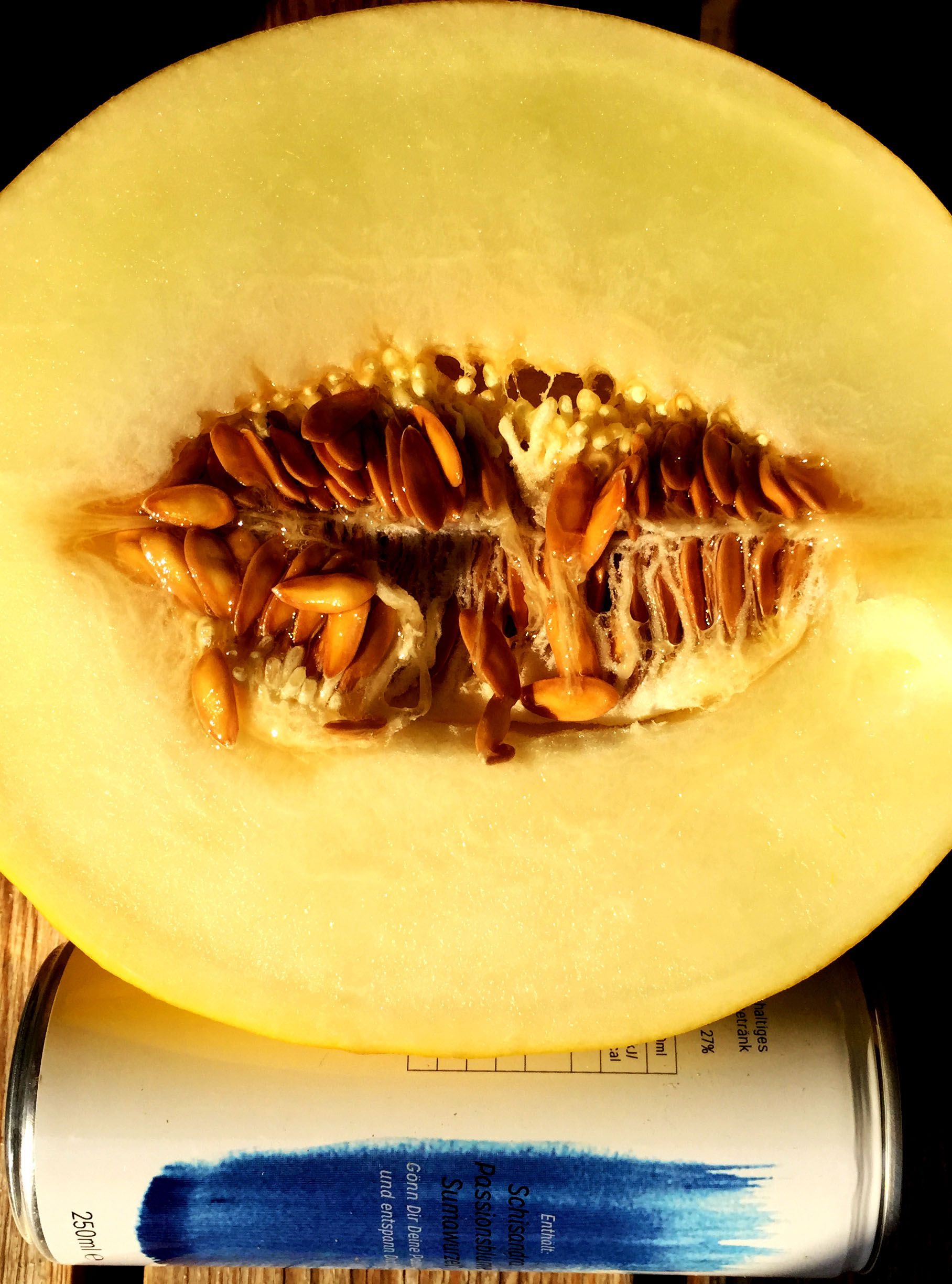 Honeymelon with a fresh rest. We love healthy and natural food. It`s the best. #restdrink #relaxation #fruitsalad #fruitphotography #food #veggie #fruitporn