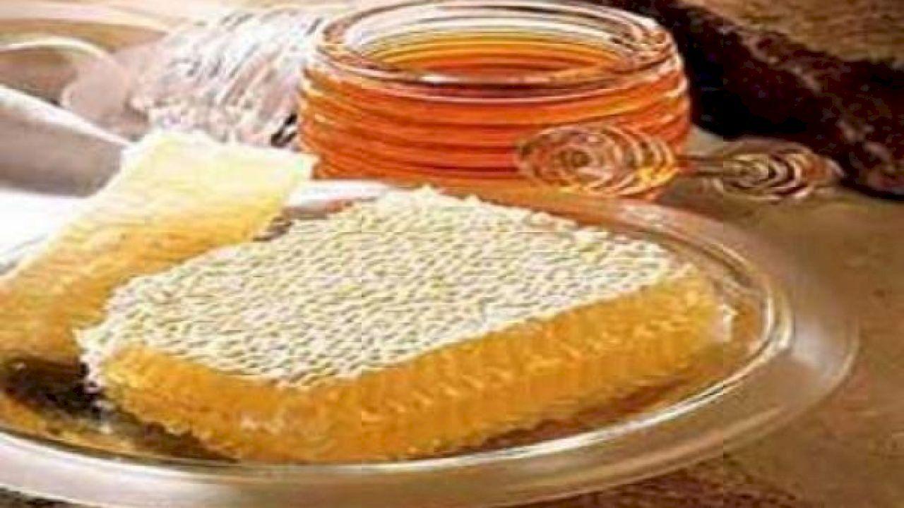 فوائد العسل مع غذاء ملكات النحل Cooking With Honey Honey Food