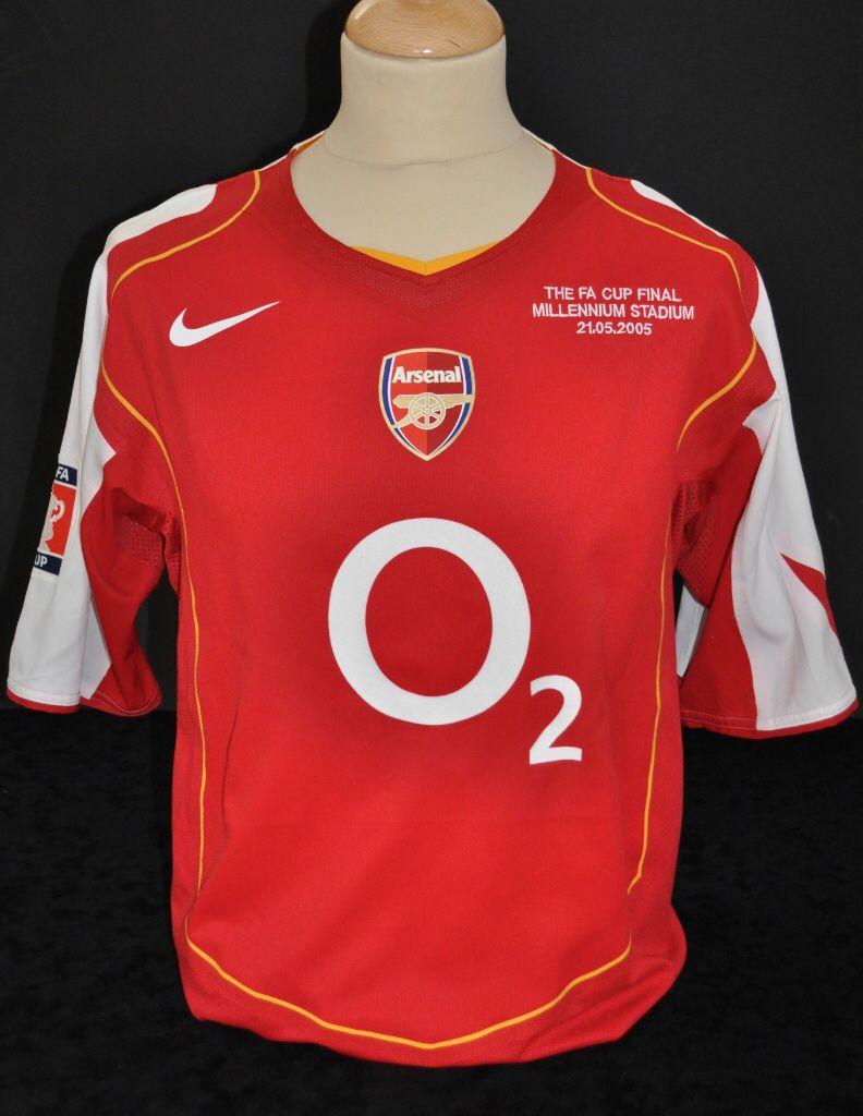 new style ea8a1 5f471 Edu Arsenal's 2005 FA Cup Final Shirt   FA Cup Finals   Fa ...