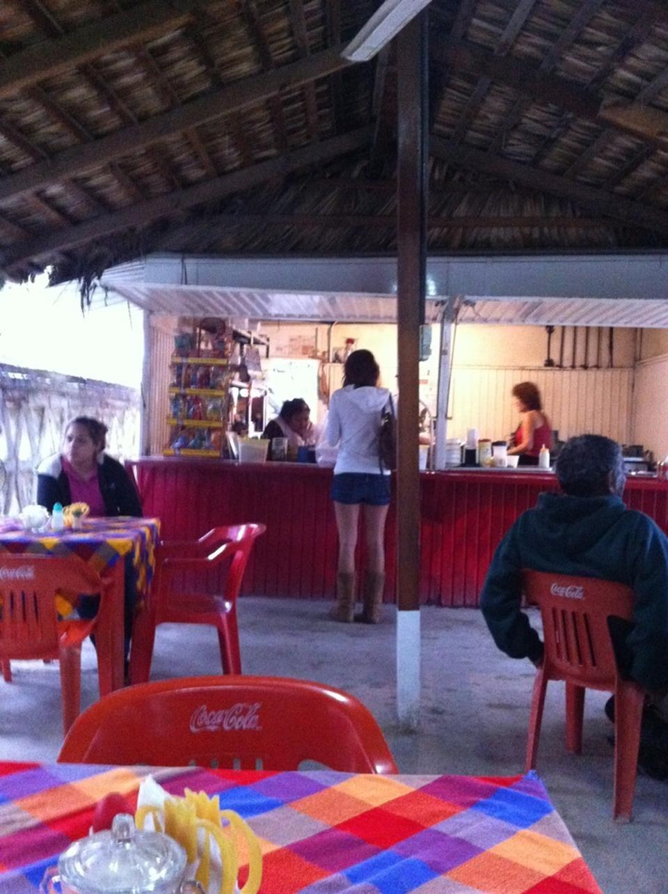 Loncheria Karla - Café