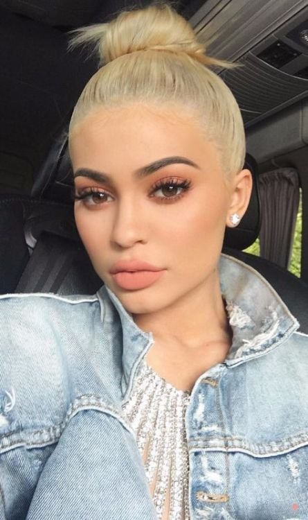 How To Recreate The Kylie Jenner Makeup Look - Society19 -   15 makeup Inspo kylie jenner ideas