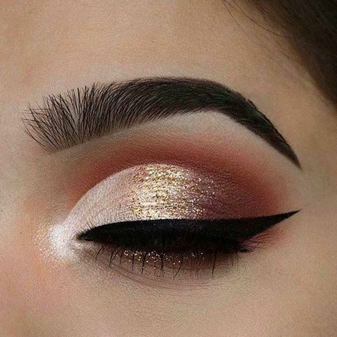 Gold eyeshadow - Perfect Golden Eyeshadow Ideas for Glam Makeup Looks #eyemakeup #eyeshadow #glittereyes #glammakeup