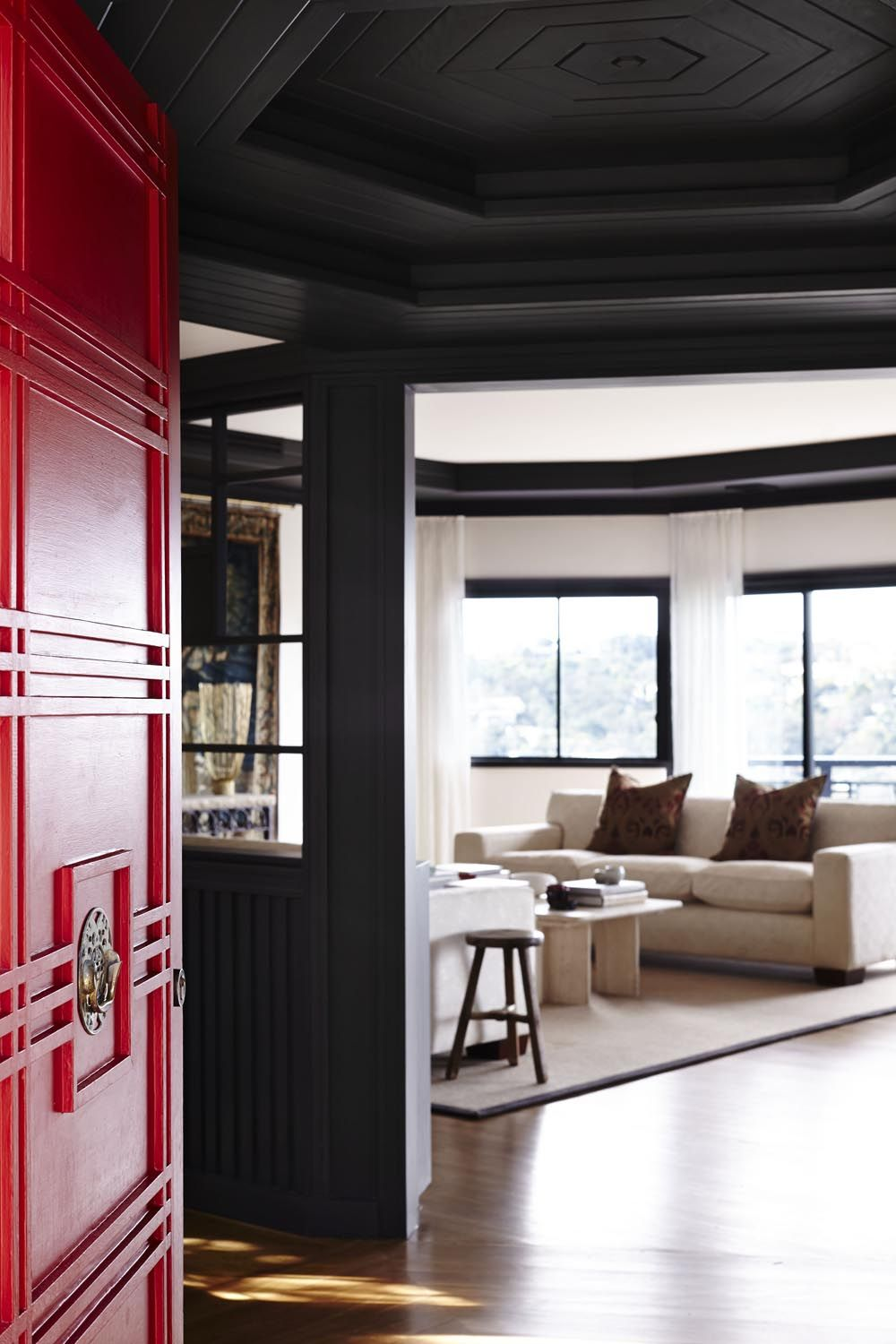 Dulux Zestaw Bedroom In A Box: Entry Door (dulux Red Box) And Living Room