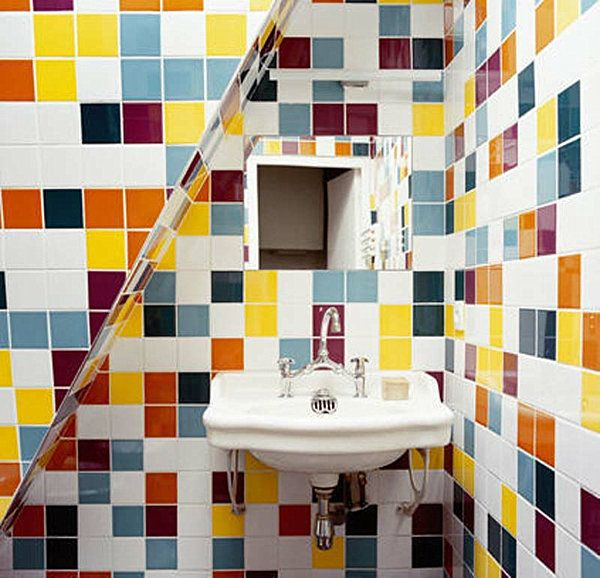 1000  images about Coloured Bathrooms on Pinterest   Glass mosaic tiles  Blue mosaic and Light yellow walls. 1000  images about Coloured Bathrooms on Pinterest   Glass mosaic