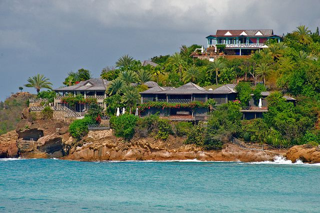 225fe6f0bd Giorgio Armani s home - Antigua