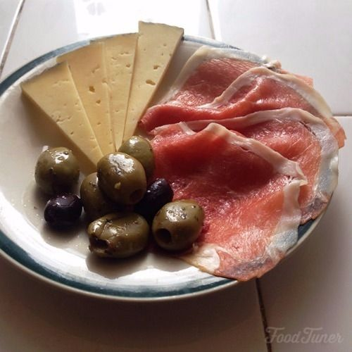 Ham cheese and olives appetizer on Food-Tuner.com