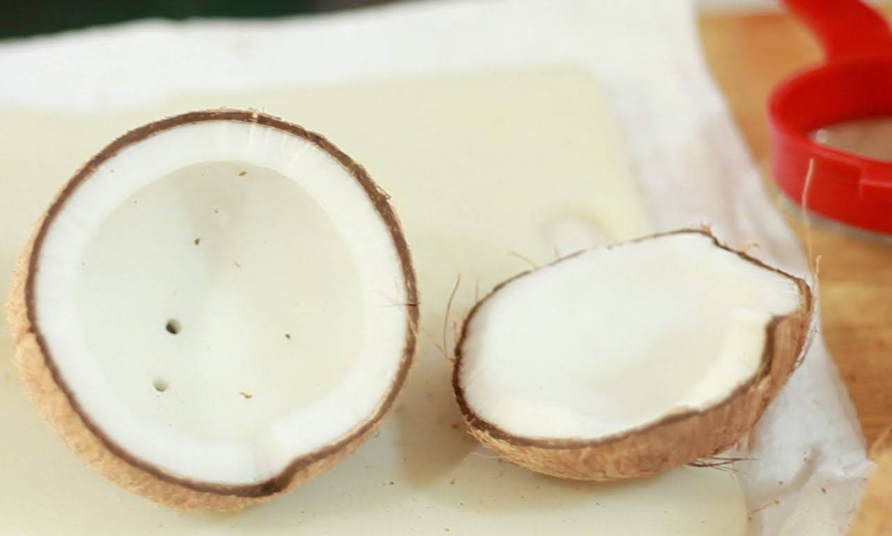 Youtube Demonstration On How To Open Coconuts Raw Food Recipes Food Open A Coconut
