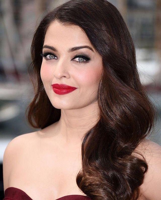 Aishwarya Rai Indian Skin Tone Hair Styles World Most Beautiful Woman
